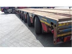 Naczepa niskopodwoziowa do transportu pojazdów kol