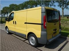 Renault - TRAFIC 2.0 DCI AC NAVI 2x SCHUIFDEU