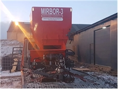MIRBOR-3 - rozsiewacz, posypywarka torfu, wapna