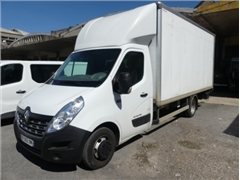 Renault truck (2017 - 172,537 km) with tailgate