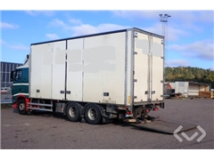 Volvo FH480 6x2 Box (Cooler + tail lift + side doors)
