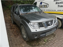 (Matis 1661)-Nissan Pathfinder Car