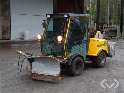Utility vehicle Belos TransPro 54 with folding plo