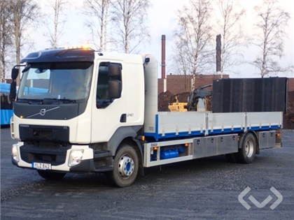 Volvo FL240 4x2 Flat leaves, hydraulic ramp with support