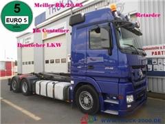 Mercedes Actros Ciężarówka hakowiec MERCEDES-BENZ Actros 2546