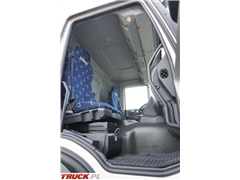 iveco / TRAKKER / 330T45 / E 5 / WYWROTKA + HDS / 6 X 4